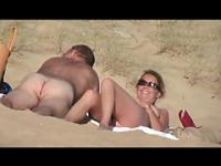 geile Ehefotzemit mann am Strand