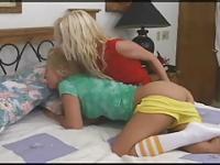 sexe de blondes lesbiennes strapon anal