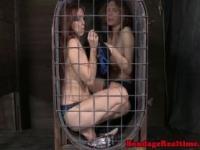 BDSM Fesselspiele Bella Rossi hungrig nach Dilldo
