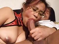 Hot Asian MILF threesome