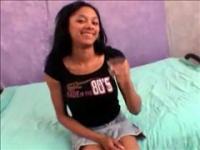 Amateur girlfriend gives a hot striptease on webcam