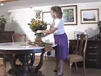 Granny adorable port ceinture pourpre et sertis bas