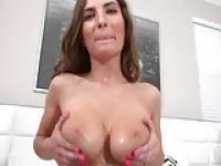 M.J Sperma auf meine großen Titten