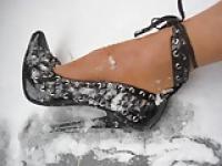 Pantyhose foot in black High Heels in Snow 1