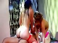 Two sluts fucking in an alley