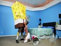 The slut Diamond Skin sucks SpongeBob's cock
