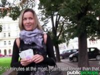 Mofos - Blanka grano obtiene recogido en público