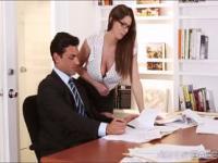Brunnette Brooklyns chaotisch Büro Sex mit ihrem Chef