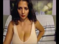 Brunette huge tits webcam