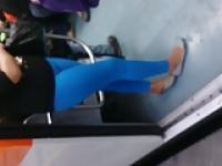 mayon azul en el metro