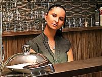 Barmaid will die Spitze