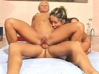 laskovie-ruchki-porno-video
