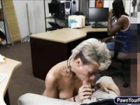 BF pawns her GFs pussy at the pawnshop