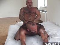 Geile Amateur trägt mit Cockringe