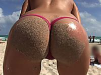 Horny besties shows booty on the beach
