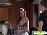 Kitchen fucking with Gianna and Syren