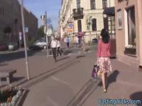 Petite Gießen Teen gefickt vor der Kamera