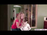 MILF Alyssa Lynn and Cassidy Banks in threesome action in the shower