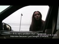 Rusa amateur follando en el coche en pov público