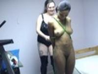 Black slave gets her whole body covered with rope by mistress