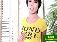 Young ladyboy Paly gives a solo show