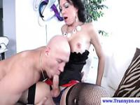 Raven shemale tranny getting some head