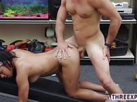 Busty muscle gym instructor stroke blowjob and opens her vagina in the shop