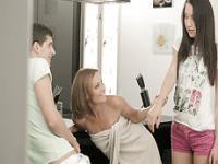 Super wunderschöne Kaylas Muschi wird durch eine zufällige Guysex zerstört