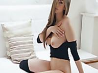 Connie masturbiert ihre einsamen Nacht durchtanzen