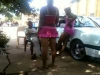 Südafrikanische Schönheiten ficken Mädchen außerhalb