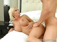 Arousing blonde mommy having the fuck of her lifetime