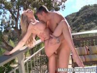 Pretty blonde Brandi Love sucking and fucking outdoors