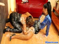 Two lesbians play girl on girl game