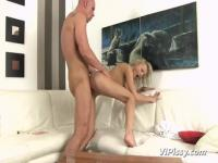 Slim Katy Rose is enjoying huge cock after pissing