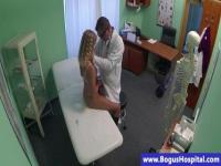 Hot babe totally naked in front of a doctor