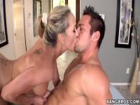 Brandy Love seduces the masseur