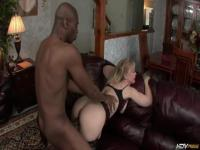 Nina Hartley banged by black, muscled dude