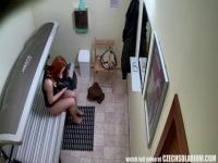 Cámara oculta en un solarium Checo