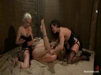 Lesben BDSM mit Kristina Rose, Sinn Salbei und Lorelei Lee