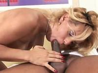 Blonde Shemale getting deep in the throat