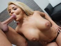 Colombian MILF having a Spanish dick