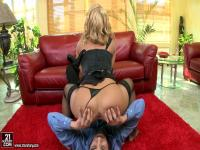 Nikky Thorne and dude are spending great time