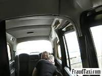 Schlanke Babe gefickt hinter Fahrerhaus kostenlos