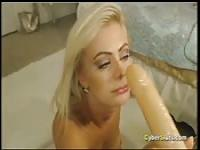 Hot amateur blonde hard XXX squirting