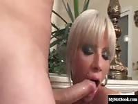 Sandra Parker is a seductive blonde wholl be letti