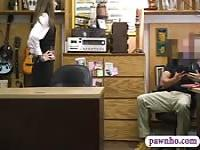 Pawn dude fucks hot babe in his pawnshop