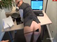 The secretary with spectacles likes anal sex