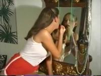 Mädchen Lesben mit Riesen Titten Ficken und 69 gegenseitig und ein Glück Dude