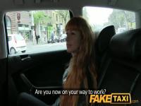 FakeTaxi: Lange rote Haare und einen wertvollen Glatze Twat