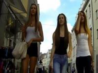 Siguiendo lindas chicas